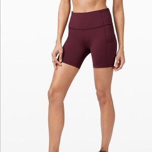 """LULULEMON FAST AND FREE SHORT 6"""" CASSIS"""